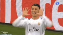 Enlace a GIF: La celebración de CR7. 15 goles. Record histórico en Champions League