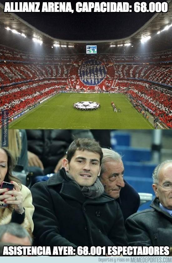 309492 - Ayer hubo un asistente más en el Allianz Arena, ¿sabes quién?