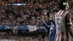 Enlace a GIF: Momentos para la historia. Fernando Torres marcando al Atleti