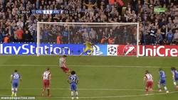 Enlace a GIF: Y el gol de Diego Costa que casi finiquita la eliminatoria