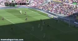 Enlace a GIF: Gol en el descuento del Getafe. Adiós a la Liga