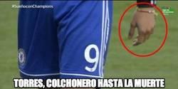 Enlace a Torres llevó esta pulsera en el partido contra el Atleti