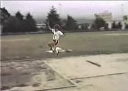 Enlace a GIF: Así saltaba Yago Lamela a los 8 años
