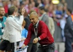 Enlace a Guardiola haciendo un Sergio Ramos
