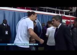 Enlace a VÍDEO: Cuidado con tocar al hijo de Ibrahimovic