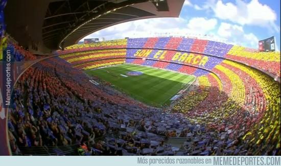 319248 - Brutal mosaico en el Camp Nou a la entrada de los jugadores