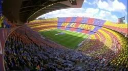 Enlace a Brutal mosaico en el Camp Nou a la entrada de los jugadores