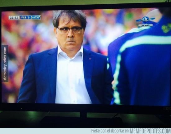 319314 - Tata ni se cree el gol que acaba de marcar Alexis
