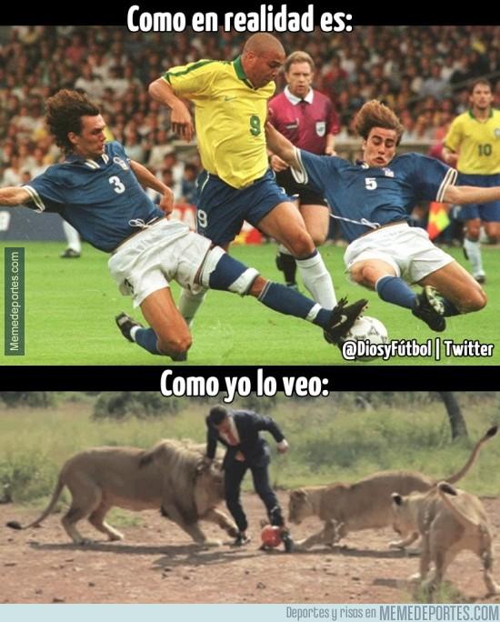 322453 - Ronaldo vs Maldini y Cannavaro