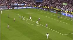 Enlace a GIF: Gol de Marcelo que finiquita al Atleti