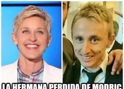 Enlace a Ahora ya no es David Guetta, Modric tras su nuevo corte de pelo es...