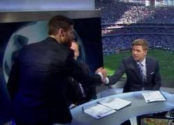 Enlace a El reencuentro de Xabi Alonso y Steven Gerrard en el Estadio da Luz