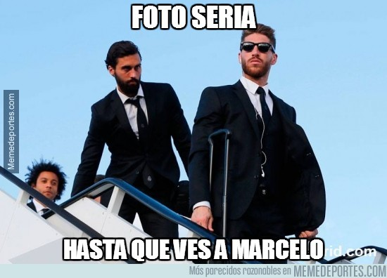 325834 - Intento de foto seria del Real Madrid