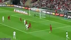 Enlace a GIF: Golazo de Sturridge a Perú en Wembley