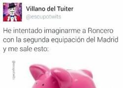 Enlace a Roncero ya ha estrenado la camiseta rosa del Real Madrid
