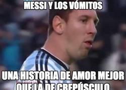 Enlace a Messi vuelve a vomitar en el terreno de juego