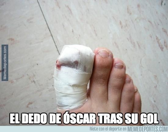 334023 - El dedo de Óscar tras su gol
