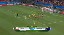 Enlace a GIF: El segundo de Chile es un golazo. Jugadón de Alexis y golazo de Valdivia