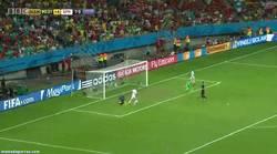 Enlace a GIF: Tranquilos, siempre podremos confiar en Fernando Torr... wtf Torres