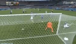 Enlace a GIF: Increíble. Costa Rica le da la vuelta en 2 minutos. 1-2
