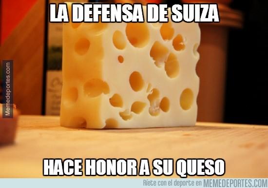 343553 - La defensa de Suiza honorando al queso gruyere