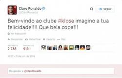 Enlace a Reacción de Ronaldo tras el gol de Klose, felicitándolo