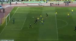 Enlace a GIF: Y éste es el histórico gol que devuelve al Córdoba a primera