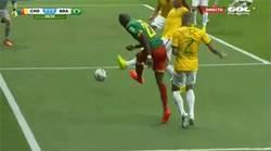 Enlace a GIF: Gol de Camerún. Adivinad por la banda de quien