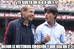 Enlace a Löw y Klinsmann preparando el partido de mañana