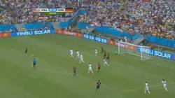 Enlace a GIF: ¿Acuerdo?, eso no existe. Gol de Müller que adelanta a Alemania