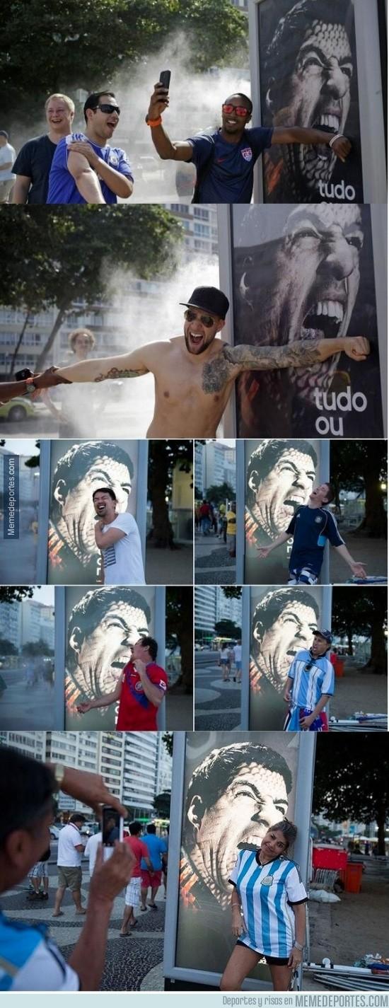 348989 - Mientras tanto, en Brasil, LuisSuarezing