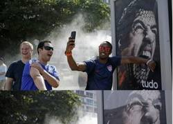 Enlace a Mientras tanto, en Brasil, LuisSuarezing