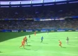 Enlace a GIF: A ver si con este gol, Holanda se dedica a jugar a algo ¡Gol de Giovani, gol de México! 1-0