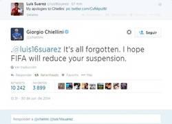 Enlace a La respuesta de Chiellini al tweet de Suárez