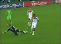 Enlace a Manuel Neuer, el mejor defensa del Alemania-Argelia