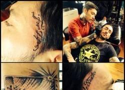 Enlace a Pinilla se tatuó el disparo al larguero que casi le da la victoria a Chile contra Brasil #loco