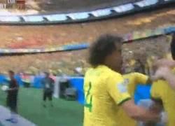 Enlace a GIF: Neymar ya se cae hasta en las celebraciones