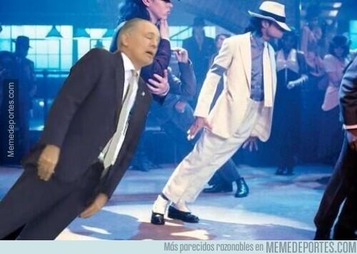 354693 - Sabela imitando a Michael Jackson