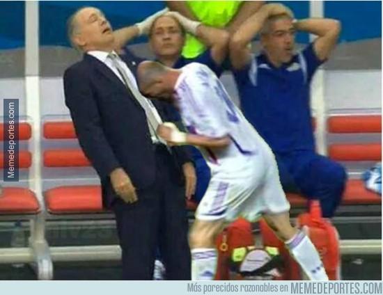 354958 - Zidane vuelve para darle un cabezazo a Sabella