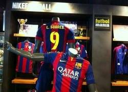 Enlace a Los fans del Liverpool al ver la camiseta de Luis Suárez del Barça