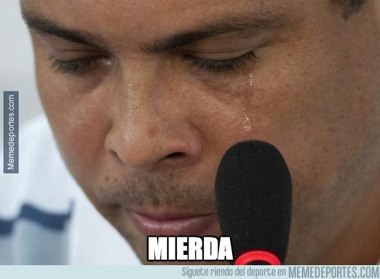 356424 - Ronaldo Nazario llorando en su casa
