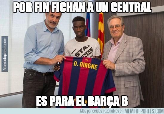 359670 - ¡El Barça ha fichado a un central!