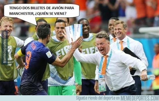 360502 - Van Gaal y Van Persie empiezan a olvidar la derrota
