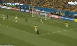 Enlace a GIF: Lo que le faltaba a Brasil, 0-3. Un Mundial para olvidar...