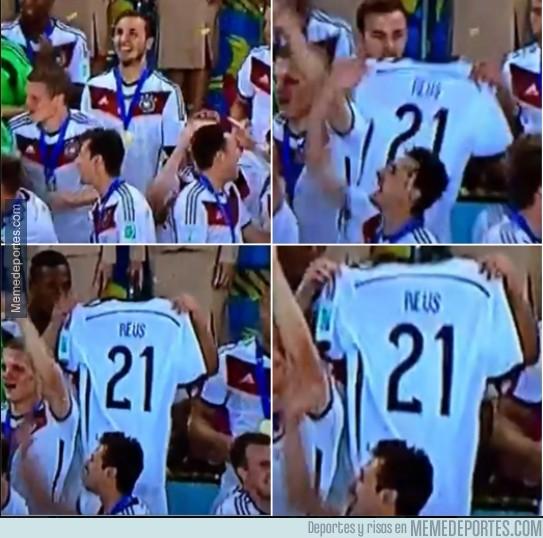 361943 - Mario Götze no olvidó a su hermano Reus #respect