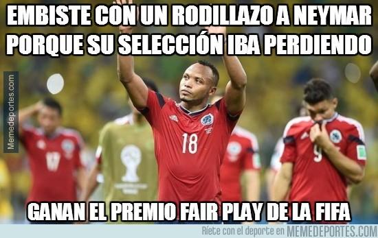 362091 - Embiste con un rodillazo a Neymar porque su selección iba perdiendo