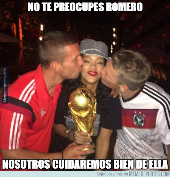 362519 - Podolski y Schweinsteiger burlándose de Romero
