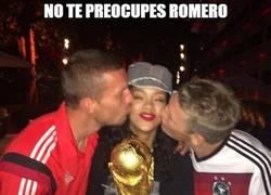 Enlace a Podolski y Schweinsteiger burlándose de Romero
