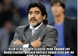 Enlace a Maradona criticando a Messi y Mourinho defendiéndolo ¿Qué mundo es éste?