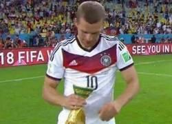 Enlace a Blatter, tacaño